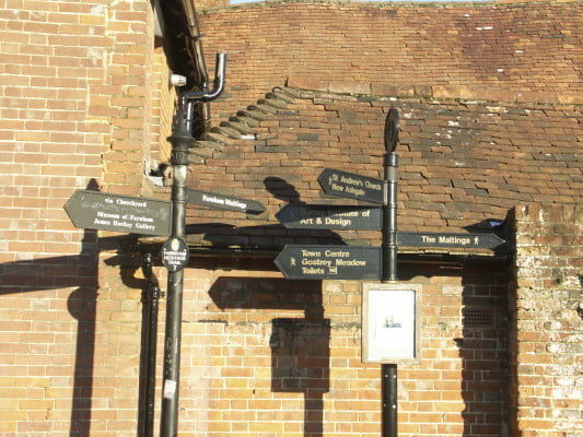 Street furniture. Finger sign boards, Wagon Yard, Farnham
