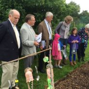 Judges visit an allotment.
