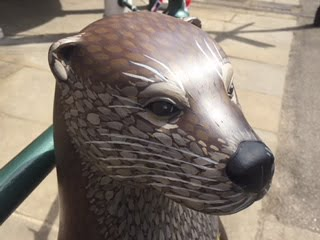 Farnham in Bloom otter